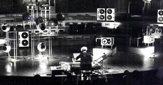 Un orchestre de haut-parleurs au CNRR